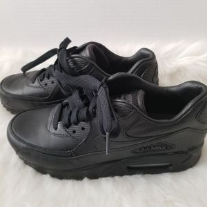 NEW Nike Air Max Women's Black Sz 7.5
